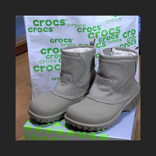 091229_Crocs.jpg